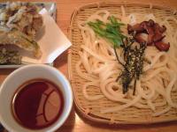舞茸、かぼちゃ、タラの芽の天ぷら付き