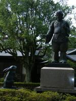 大黒様とうさぎの銅像