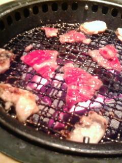 炭火で焼かれるお肉さんたち